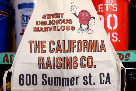 カリフォルニアレーズン エプロン ワークエプロン ガレージ ガーデニング DIY 通販 アメリカ雑貨屋 サンブリッヂ