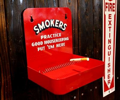 壁掛け灰皿 スモーカーズアシュトレイ アメリカ灰皿 アメリカ雑貨屋 サンブリッヂ