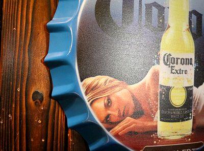 コロナ看板 王冠ボトルサイン Corona スチール看板 アメリカ雑貨屋 サンブリッヂ コロナガール看板通販