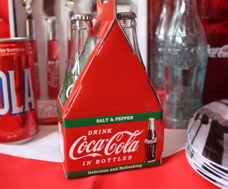 コーラ 塩コショウ入れ ソルト&ペッパー ビン  コンツアーボトル型 通販 アメリカ雑貨 アメリカ雑貨屋 サンブリッヂ