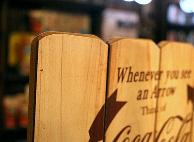 コカコーラウッドサイン コーラ木製看板 アメリカン看板 インテリア アメリカ雑貨屋 サンブリッヂ 雑貨通販