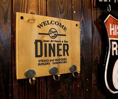 ダイナー木製キーフックボード カルチャーマート アメリカンダイナー アメリカ雑貨屋 サンブリッヂ