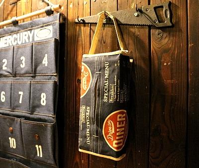 アメリカンダイナーティッシュカバー 壁掛け可能 アメリカ雑貨屋 サンブリッヂ