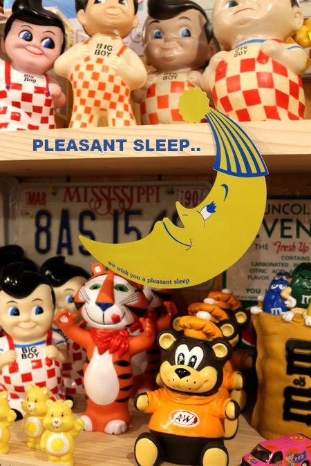 ドアサイン アメリカ看板 月看板 お休み看板 ホテル看板 寝室 アメリカ雑貨屋 サンブリッヂ 看板通販