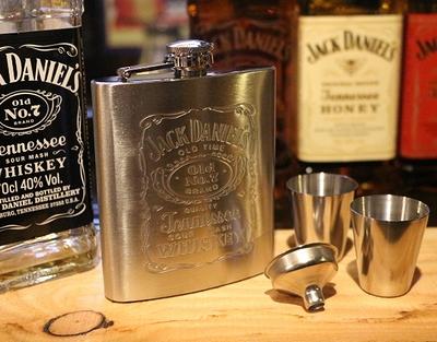 ジャックダニエルフラスコセット ジャックダニエルスキットル 携帯酒ボトル ウィスキーボトル アメリカ雑貨屋 サンブリッヂ