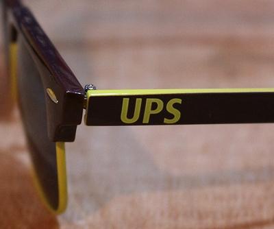 UPSサングラス UPS ロゴ入りサングラス アメリカ雑貨屋 サンブリッヂ SUNBRIDGE