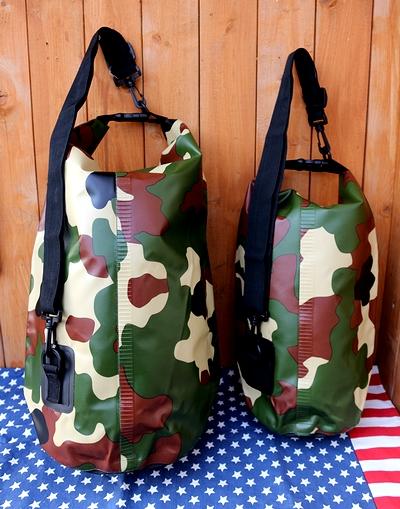 ウォータープルーフショルダーバッグ ワンショルダー迷彩バッグ アウトドアバッグ トスダイス アメリカ雑貨屋