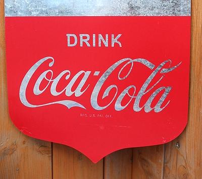 コカコーラブリキバナープレート ブリキ看板 インテリア 吊り下げ式 COCACOLA アメリカ雑貨屋 サンブリッヂ