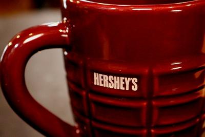 ハーシーズマグカップ2個セット ハーシーズチョコ ペアマグカップ HERSHE'S アメリカ雑貨屋 サンブリッヂ
